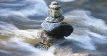 La resiliencia ayuda a las personas a enfrentar los desafíos de la vida.