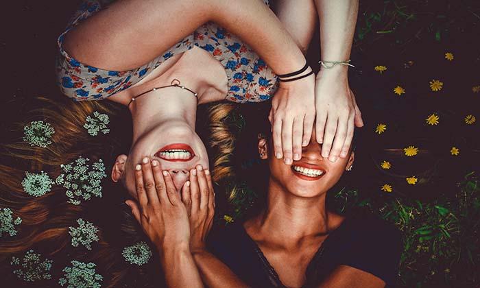55 Frases De Amigos Divertidas Y Graciosas