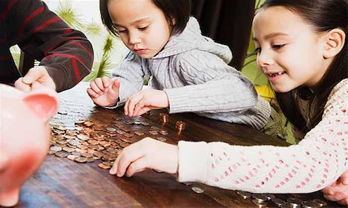 Enseñar a sus hijos sobre el dinero